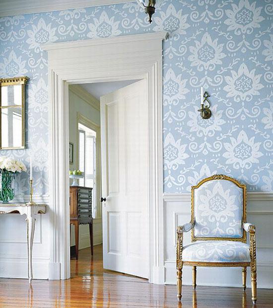 Белые межкомнатные двери в интерьере: фото