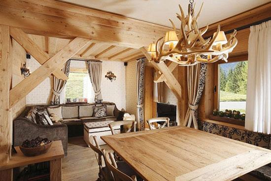 Деревянная люстра в интерьере: фото