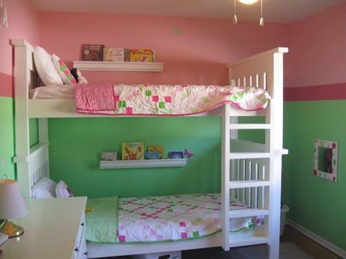 Детская комната для двойняшек: делим одно пространство на двоих