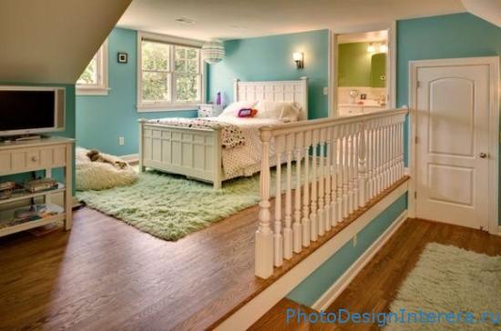 Дизайн интерьера красивой детской комнаты на чердаке фото