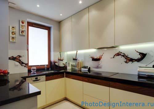 Элегантные и уникальные фартуки для кухни из фото стекла