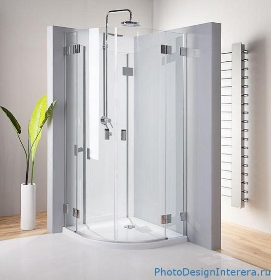 Красивая душевая кабина в ванной комнате фото