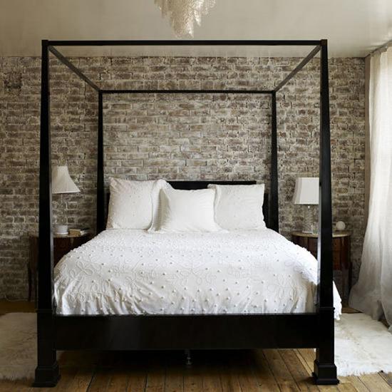 Кирпич в спальне: фото