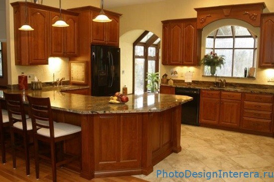Кухни в обрамлении искусственным камнем
