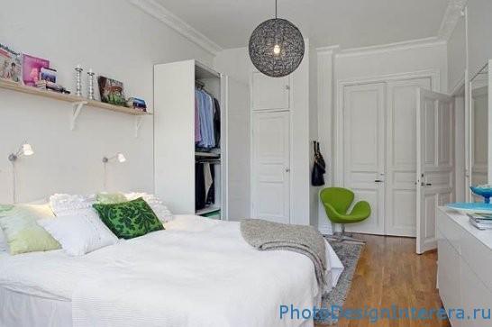 Красивый дизайн маленькой спальни нв белом цвете фото