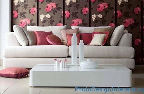 Дизайн современных обоев для гостиной с цветами фото