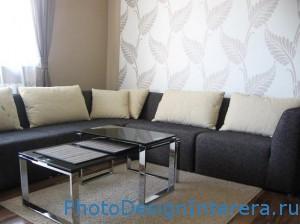 Дизайн современной гостиной с обоями фото
