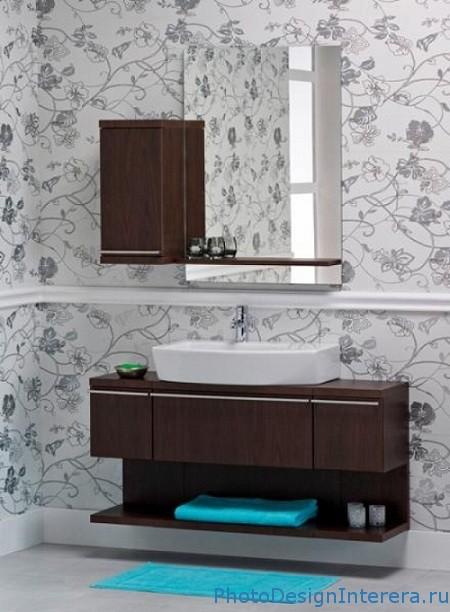 Дизайн ванной комнаты с обоями фото