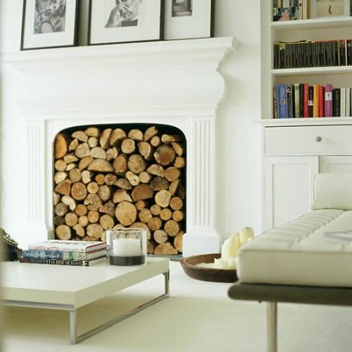 Поленница для дров в интерьере: оригинальный предмет декора