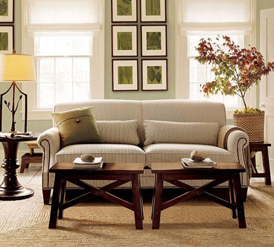 Придиванные столики в интерьере: круглые, квадратные, столики-сундуки