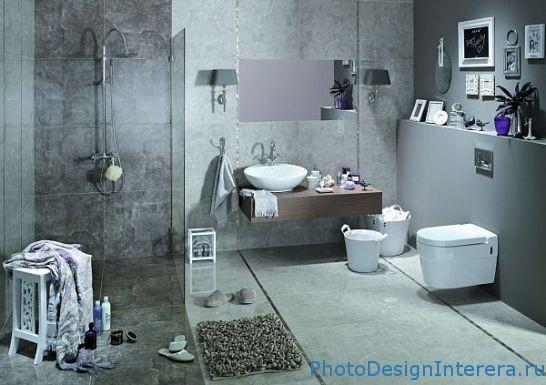 ванной комнаты с душевой кабиной и с