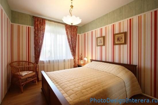 Дизайн спальни с полосочками фото