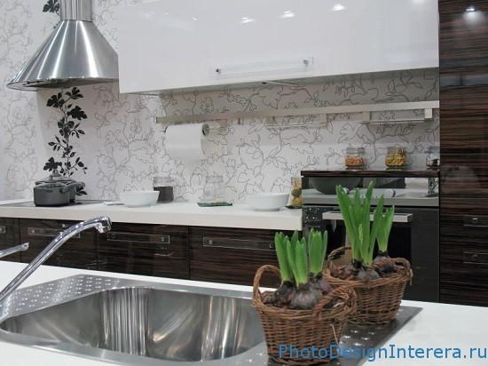 Виниловые обои на кухне фото