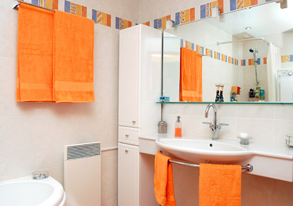 Яркий дизайн ванной комнаты: фото, рекомендации