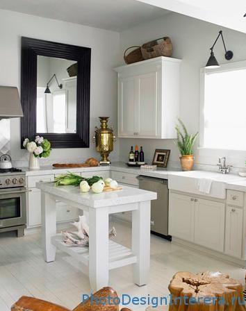 Как увеличить кухню при помощи зеркала?
