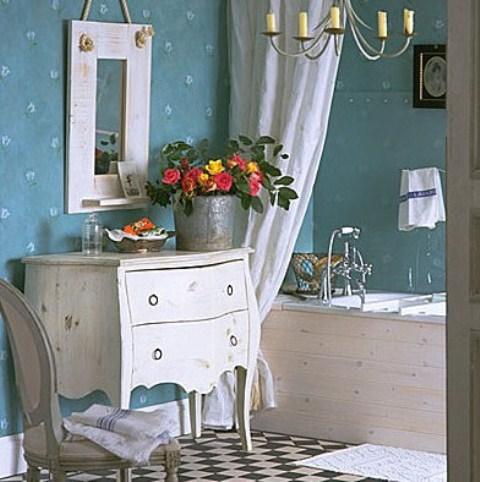 Живые и искусственные цветы в ванную комнату: фото
