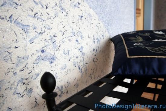 Жидкие обои в дизайне интерьера спальни фото